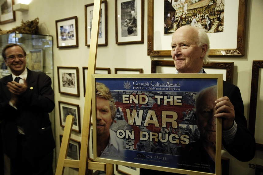 Thorvald Stoltenberg in de Hemp Gallery: End the war on drugs (© Gonzo media)