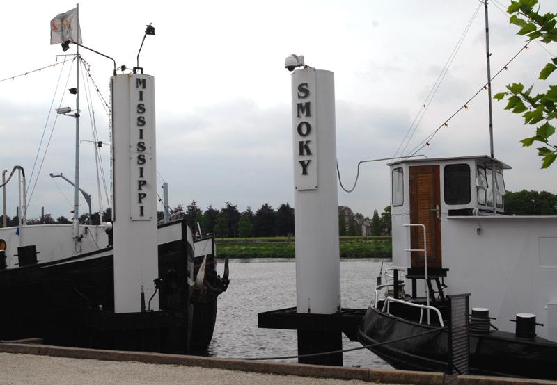 De Maastrichtse coffeeshops Mississippi en Smokey: nu nog in het centrum van de stad (©Gonzo media)