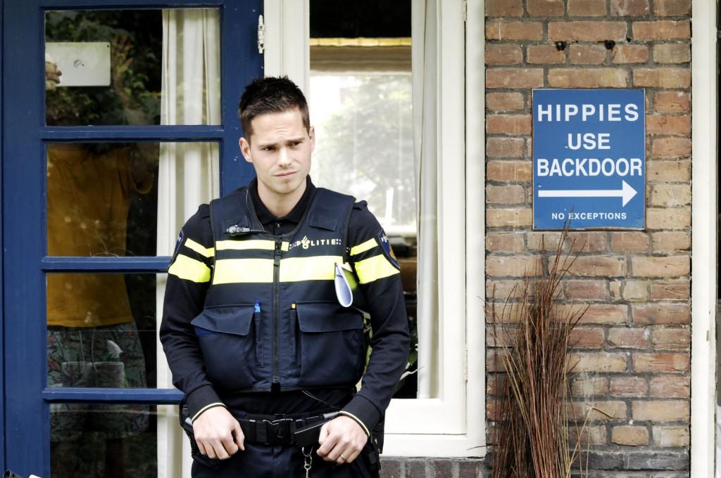 Politie-inval-VOC-01-06-2015_4205