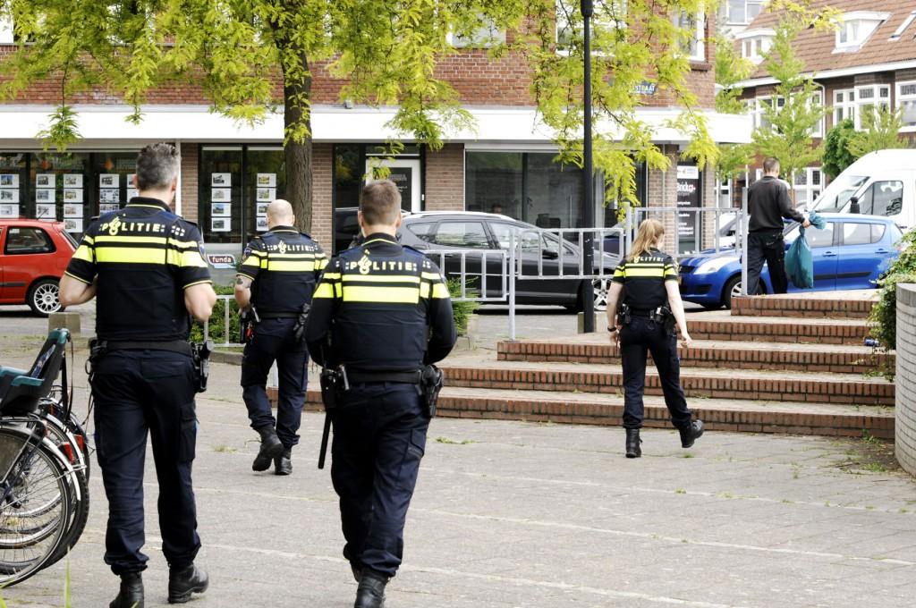 Missie geslaagd: cannabisplantjes in beslag genomen en afgevoerd ter vernietiging. Eindhoven kan weer rustig slapen.