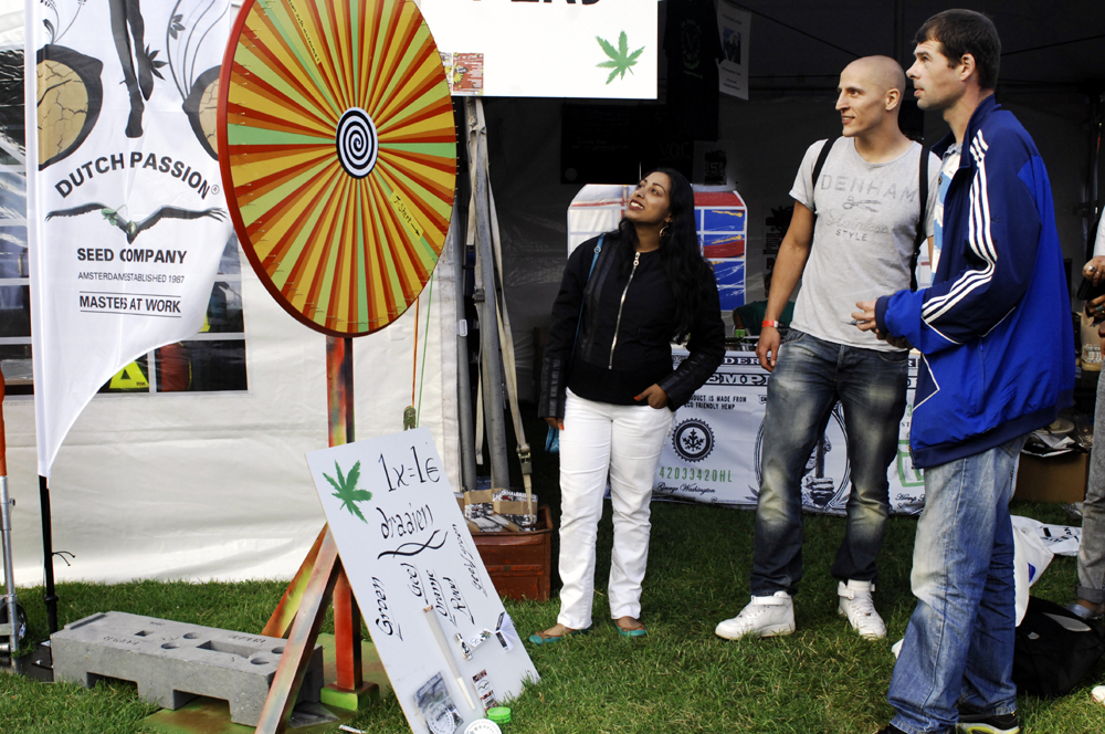 New feature at the VOC tent: the Wheel of Fortune.. (© Gonzo media)