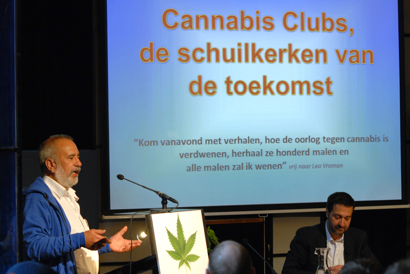 Wernard Bruining presenteert zijn Cannabis Club-model (© Gonzo media)