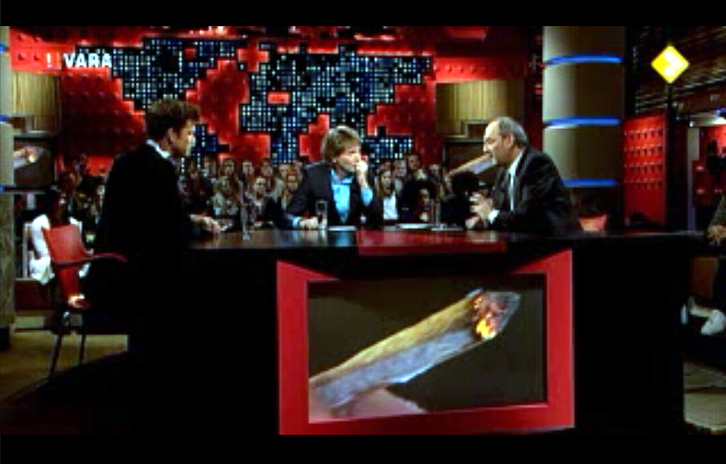 DWDD11_totaalshot_met_joint