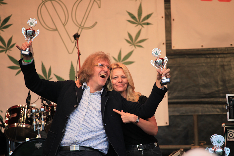 Albert van Sensi Seeds is blij met twee Highlife Cannabis Cups (Foto: Roelof Rump / StrangeArt)